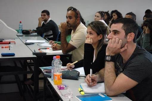 נושאי הקורס הם מאוד ממוקדים וכוללים תתי נושאים רבים בתחום